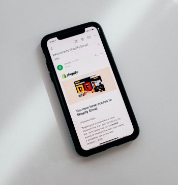 mobile app shopify store